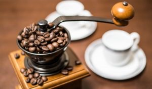 カフェインの取りすぎでどんな症状が出る?1日の摂取量とは