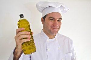 手荒れひび割れの時の料理中はオリーブオイル?