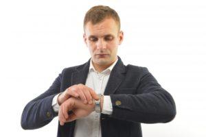 【腕時計の秒針にズレ】直し方や原因は?修理費用はいくらかかる?